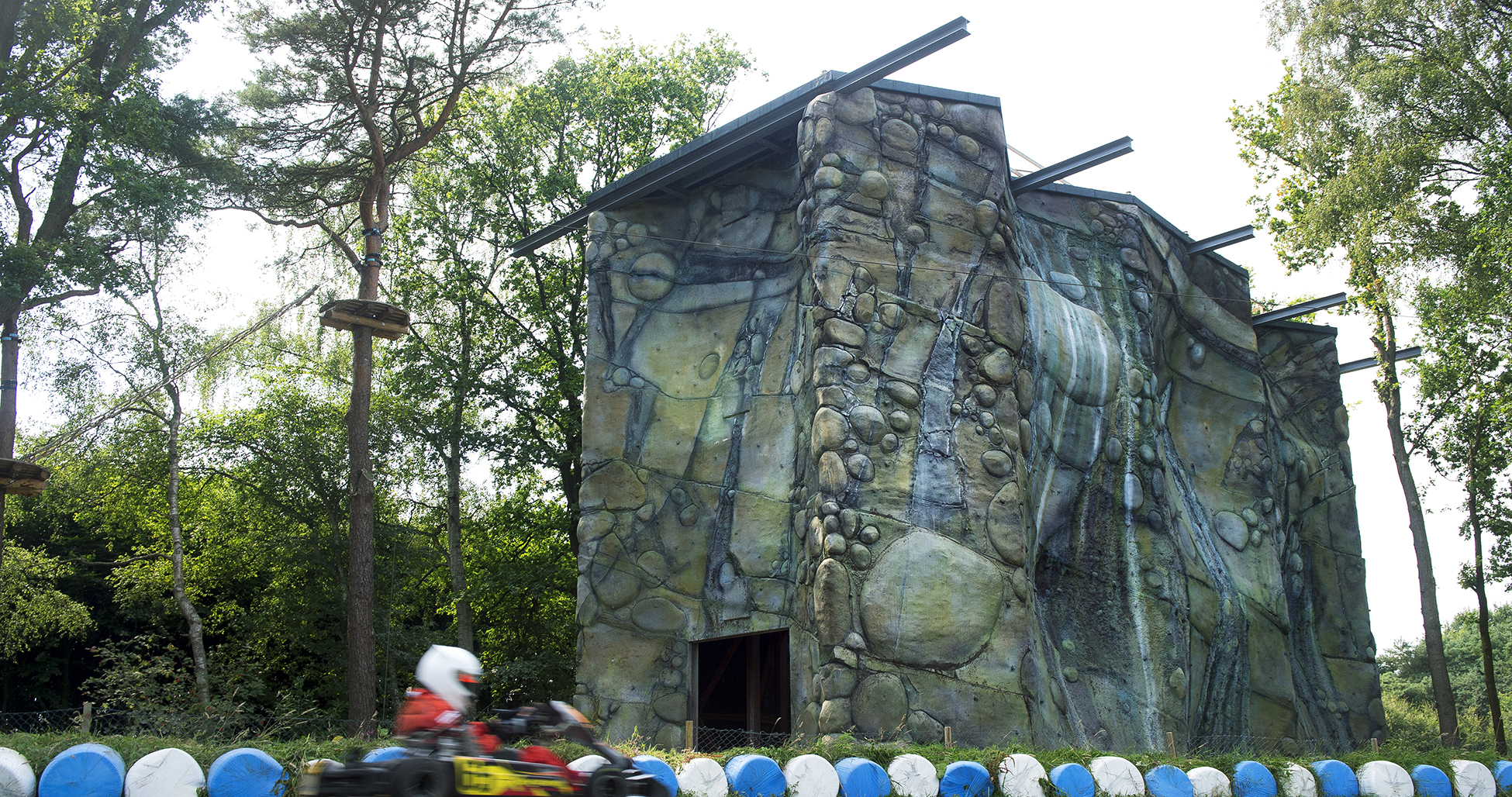 BRUUD klimwand klettersteig karting outdoor Eefde